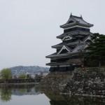 松本城へ行く